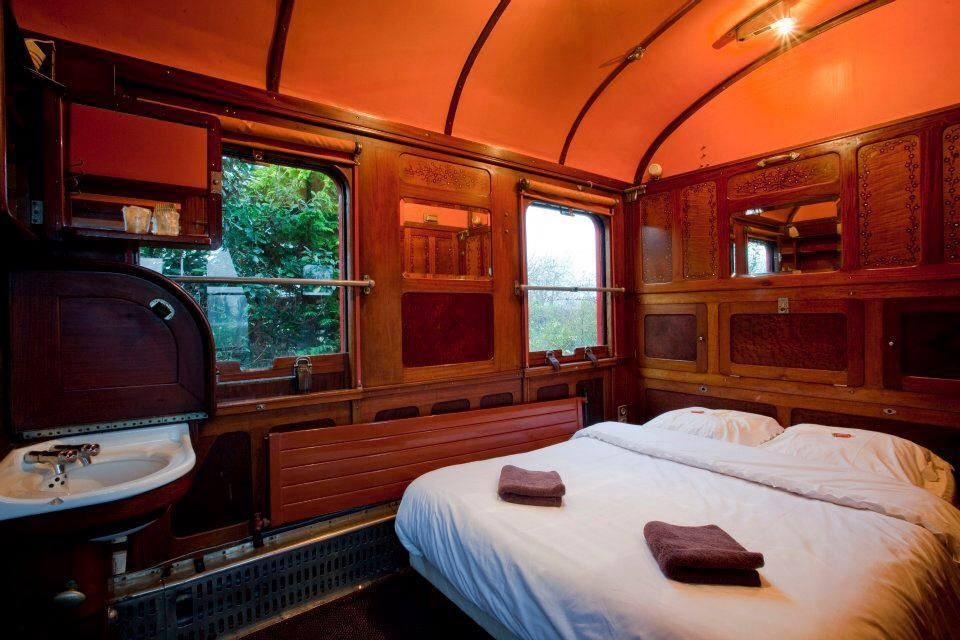 une nuit dans un wagon lit a drache en nord. Black Bedroom Furniture Sets. Home Design Ideas
