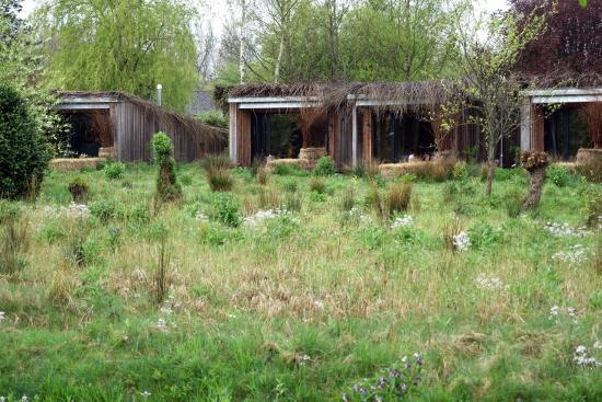 Chic je dors dans une hutte a drache en nord - Cabane jardin isolee calais ...